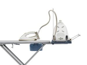 Das Philips GC240/05 Bügelbrett Easy8 ist optimal für Dampfstationen.