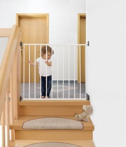 Das Reer 46101 Tür-und Treppengitter bietet optimalen Schutz an Treppen und Türen.