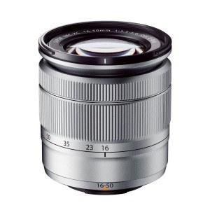 Das Objektiv der Fujifilm X-A2 Systemkamera.