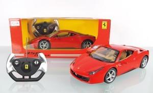 Nur Batterien müssen für den Jamara 404305 - RC Ferrari 458 Italia gekauft werden.