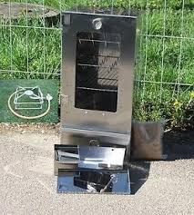 Der Räucherofen mit Sichtscheibe und Thermometer 250°C von FreyZeit belegt den 8. Platz.