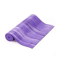 Die Ganges Yoga Mat ist unser Allrounder mit hübschem Farbverlauf. Die Ganges Mat ist griffig und rutschfest und aufgrund des geringen Abriebs hast Du an dieser Matte lange Deine Freude. Sie verzieht sich nicht und rutscht auch auf Parket nicht weg und ist spätestens nach einer Maschinenwäsche praktisch geruchsneutral.