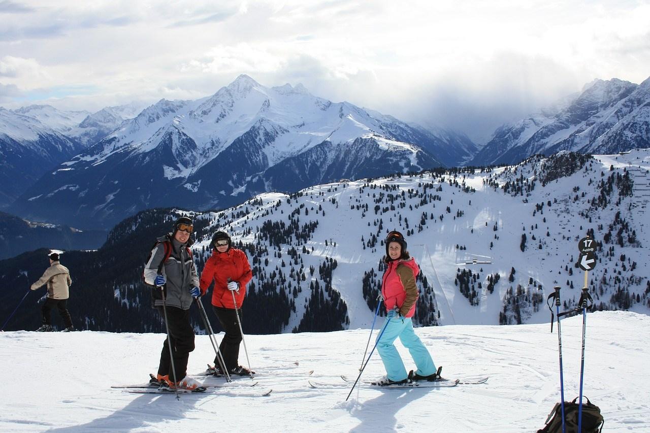 Internet vs. Fachhandel: Wo kaufe ich meine Ski am Besten?
