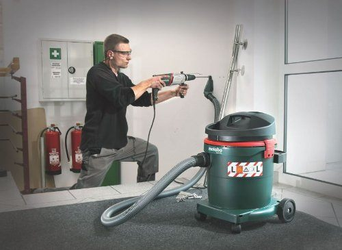 Industriestaubsauger Metabo 602013000 ASA 32 L im Einsatz