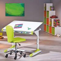 Schreibtisch mit Stuhl und Regal