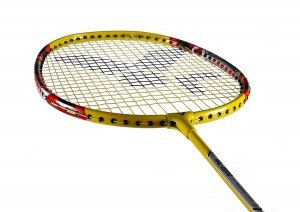 Der VICTOR Badmintonschläger AL-2200 belegt Platz 9.