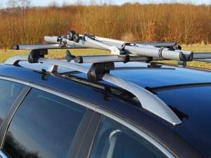 Dachfahrradträger Alu Star von Eufab auf einem Autodach