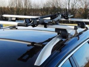 Eufab Super Bike Dachfahrradträger auf einem Autodach