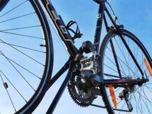 Fahrrad auf einem Eufab Super Bike Dachfahrradträger