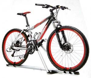 Peruzzo Lucky Two Cruiser Dachfahrradträger mit einem Fahrrad