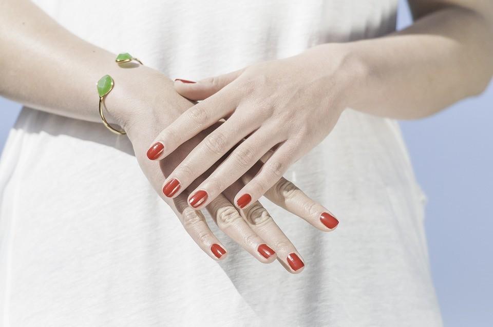 hands-1751637_960_720