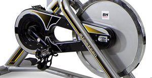 BH Fitness MKT JET BIKE PRO H9162RF, Indoorbike, Indoorcycling, PolyV-Riemen, 20 kg Schwunggewicht , Reibungssystem, Ideal für Anfänger