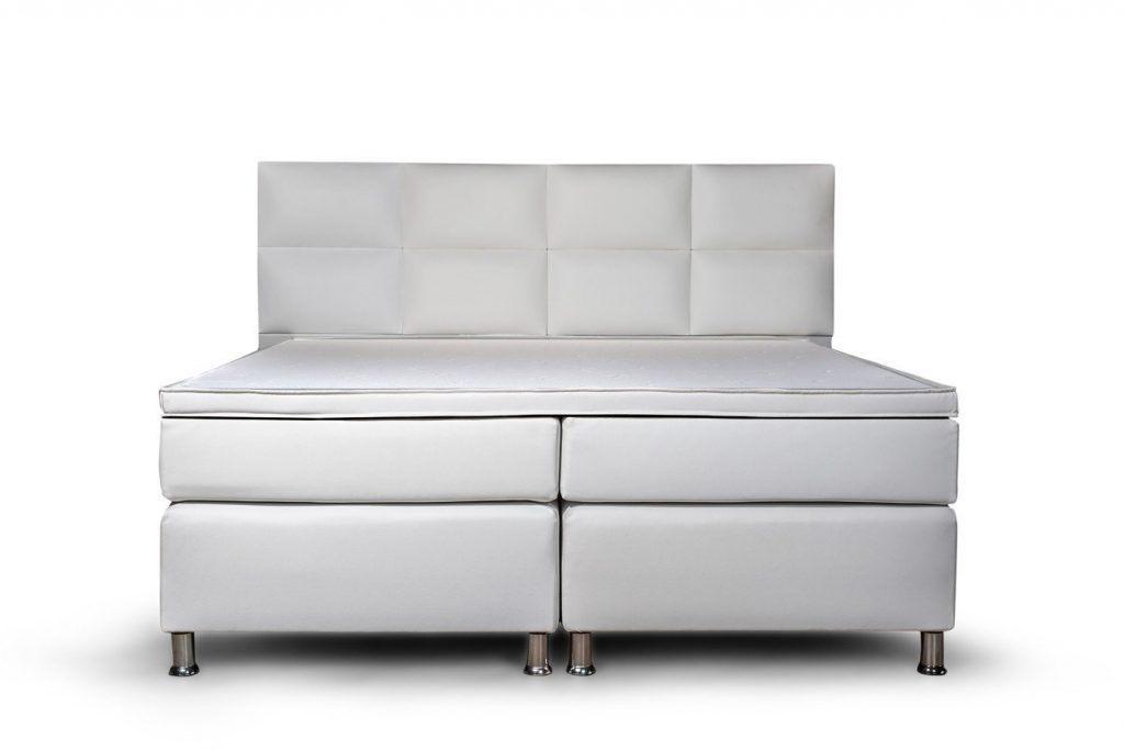Boxspringbett mit Federkernmatraze in weiß