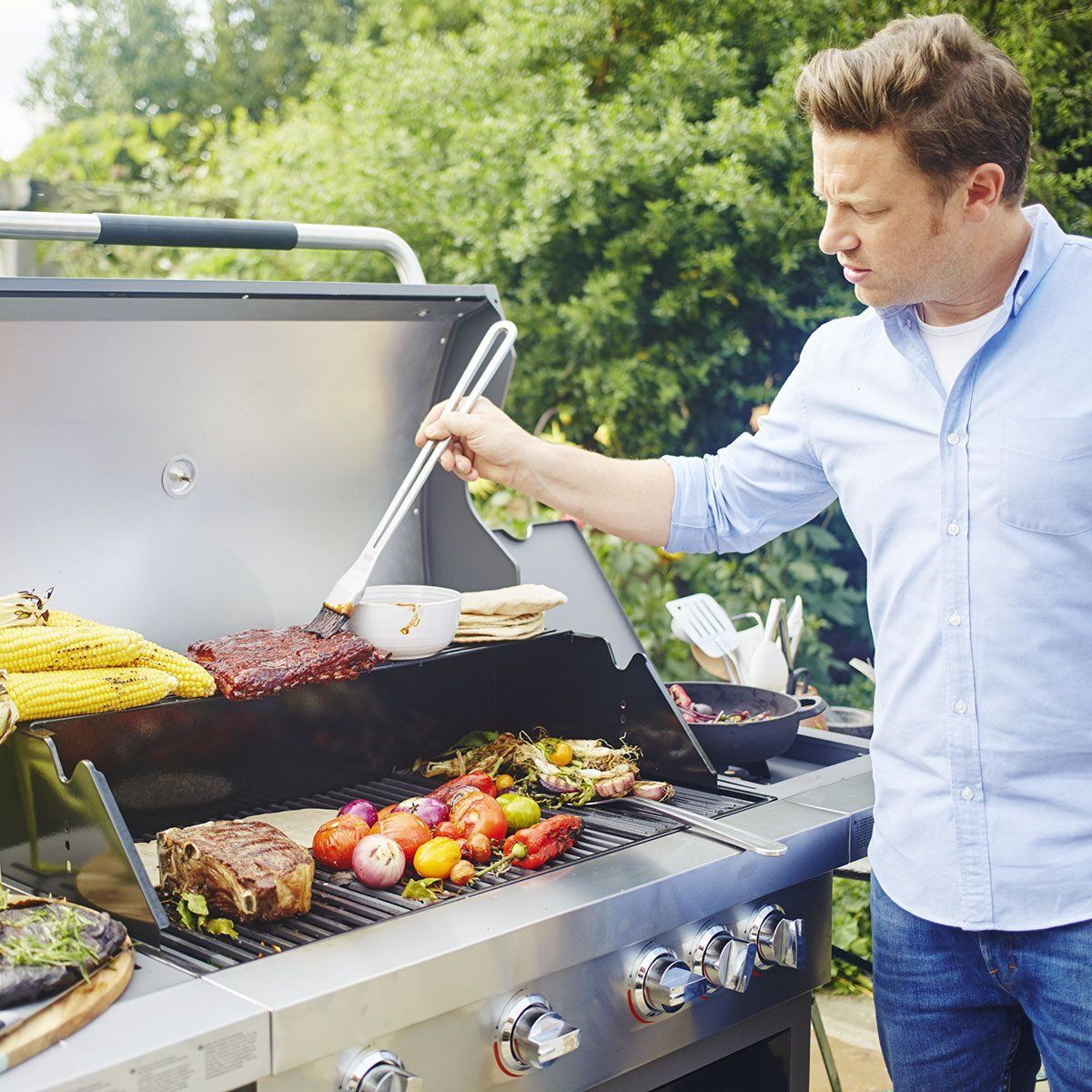 jamie oliver gasgrill expertentesten. Black Bedroom Furniture Sets. Home Design Ideas