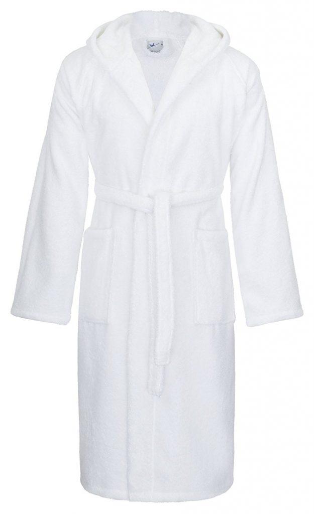 17d574edaeb57d ... empfiehlt sich eher ein Besuch im liebsten Modegeschäft, denn wenn  dieses eine Abteilung für Unterwäsche hat, dann findet man dort auch  Bademäntel.