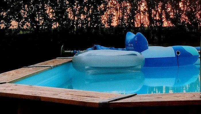 headerbild_Gartenpool-bis-10000-Liter-test