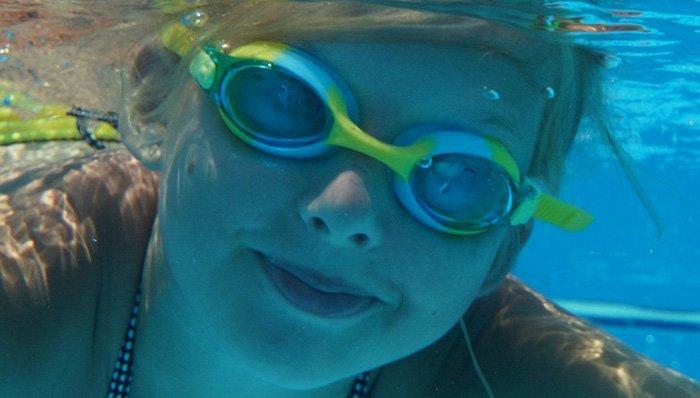 Kinderschwimmbrillen im Test auf ExpertenTesten.de