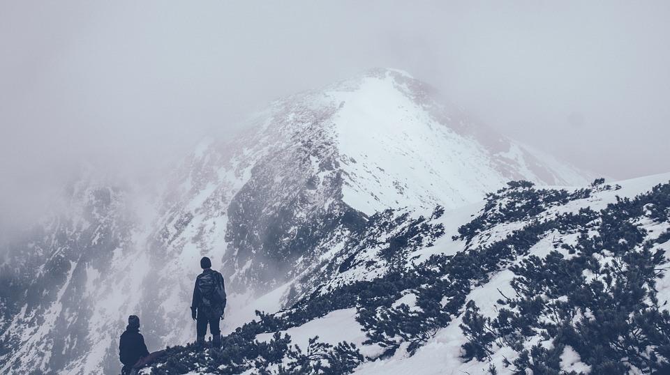 Mountain 690122