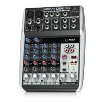 Behringer Q802USB Xenyx Premium 8-Kanal 2-Bus Mixer mit Mic Preamps/Kompressoren/British EQs und USB/Audio Interface