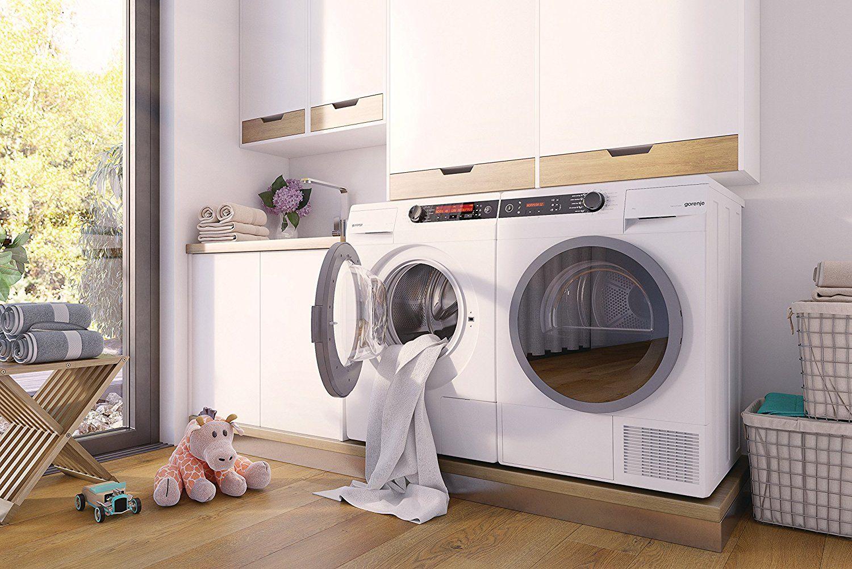 Die Gorenje W 98F65 I I Waschmaschine in der Frontansicht mit geöffneter Ladeluke