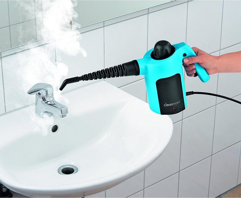 cleanmaxx Dampfente putzt im Test Waschbeckem im Badezimmer