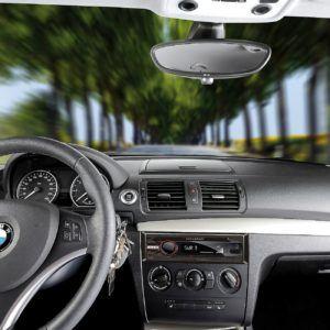 Das Creasono Autoradio Bluetooth macht sich gut im Auto.