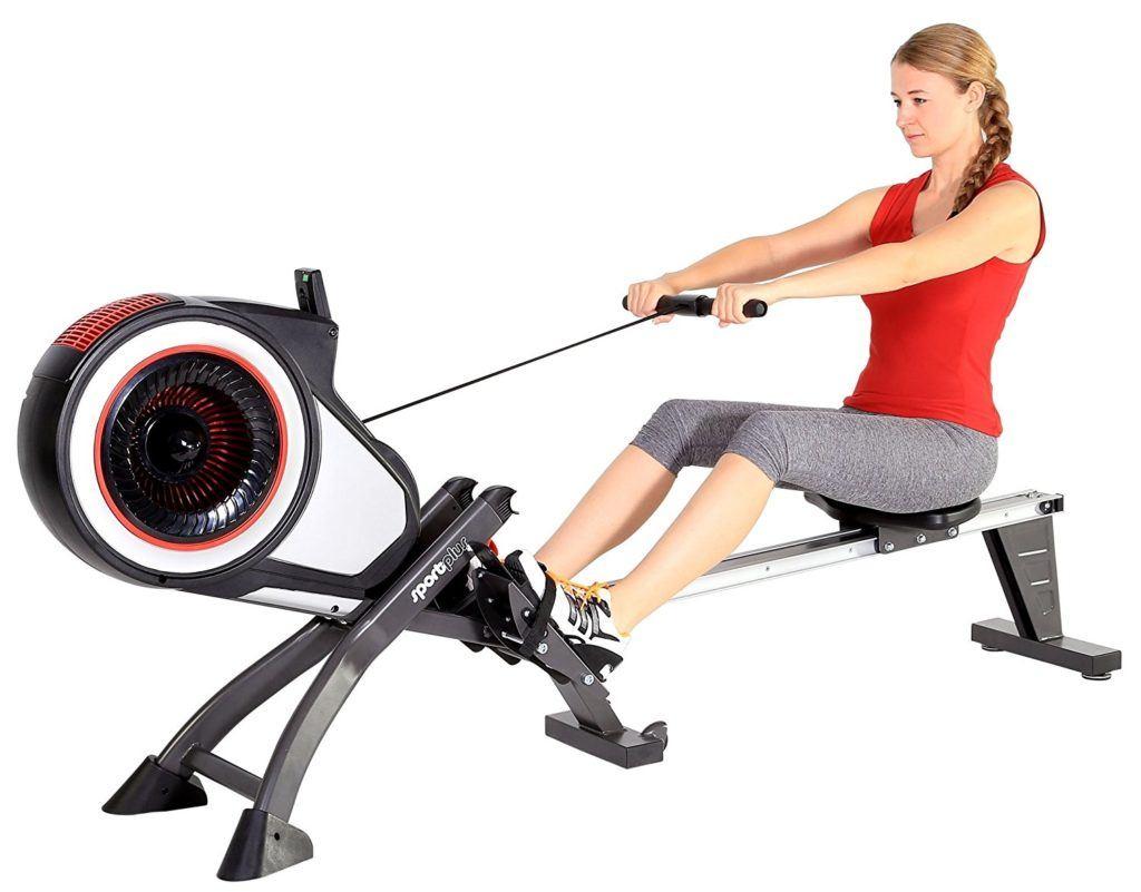 Übungen einer Frau auf Rudergerät SL1500