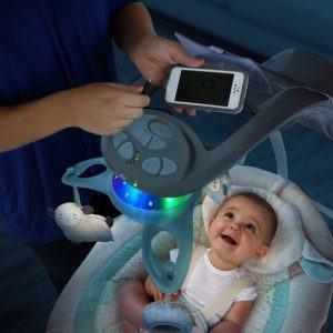 Die Bright Starts 60360 kuschelige Deluxe Babyschaukel ist Testsieger.