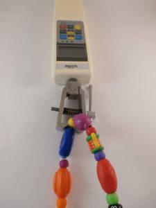 Kinderspielzeug wird im Labor untersucht