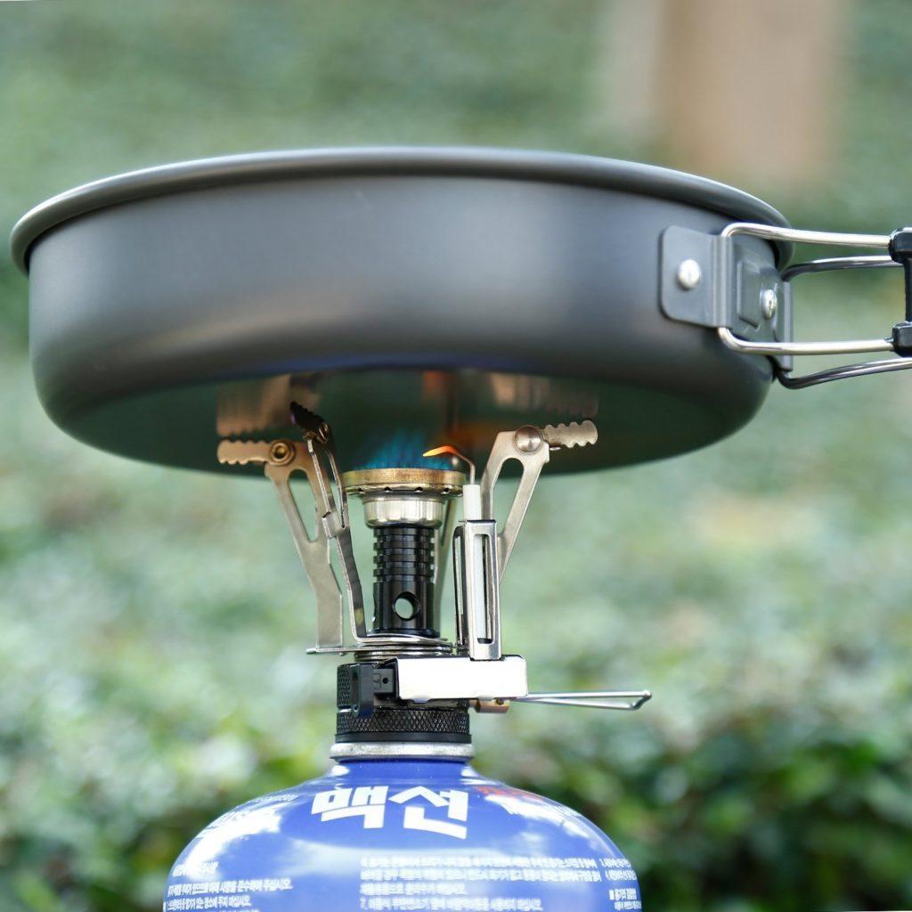 OUTAD Camping Kocher Windschirm W%C3%BCtenden Feuer Faltbarer Windproof Gas Herd Ohne Piezoz%C3%BCndung Mini Kocher.