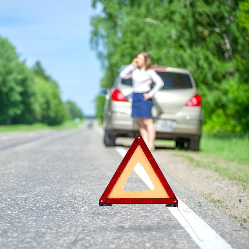 CARTO Warndreieck F%C3%BCr Kraftfahrzeuge Mit Kunststoffk%C3%B6cher Sicherung Von Unfall Und Gefahrenstellen.