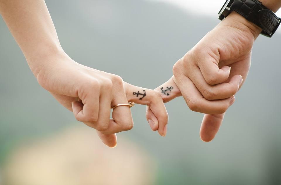 Hands 437968