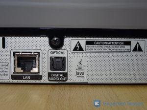 LAN und Optischer Anschluss am BluRay Player von Samsung auf der Rückseite