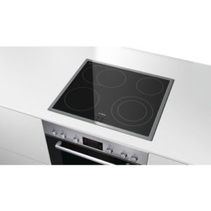 Die Bosch HND22PS51 Backofen-Kochfeld-Kombinationen mit 3D Heißluft Plus.