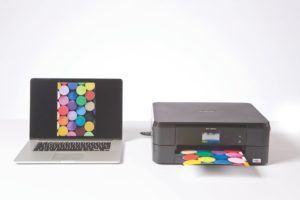 Der Brother DCP-J562DW Multifunktionsdrucker Tintenstrahl lässt sich vielseitig anschließen.