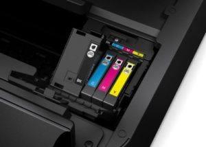Der Epson WorkForce WF-7610DWF Multifunktionsgerät hat 4 Patronen dabei.