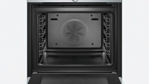Der Siemens HB634GBW1 iQ700 Backofen Elektro hat ein TFT Display.