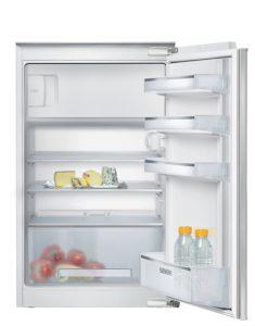 Der Siemens KI18LV60 iQ100 Kühlschrank mit antifingerprint.