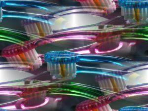 Zahnbürsten mit verschiedenen Farben