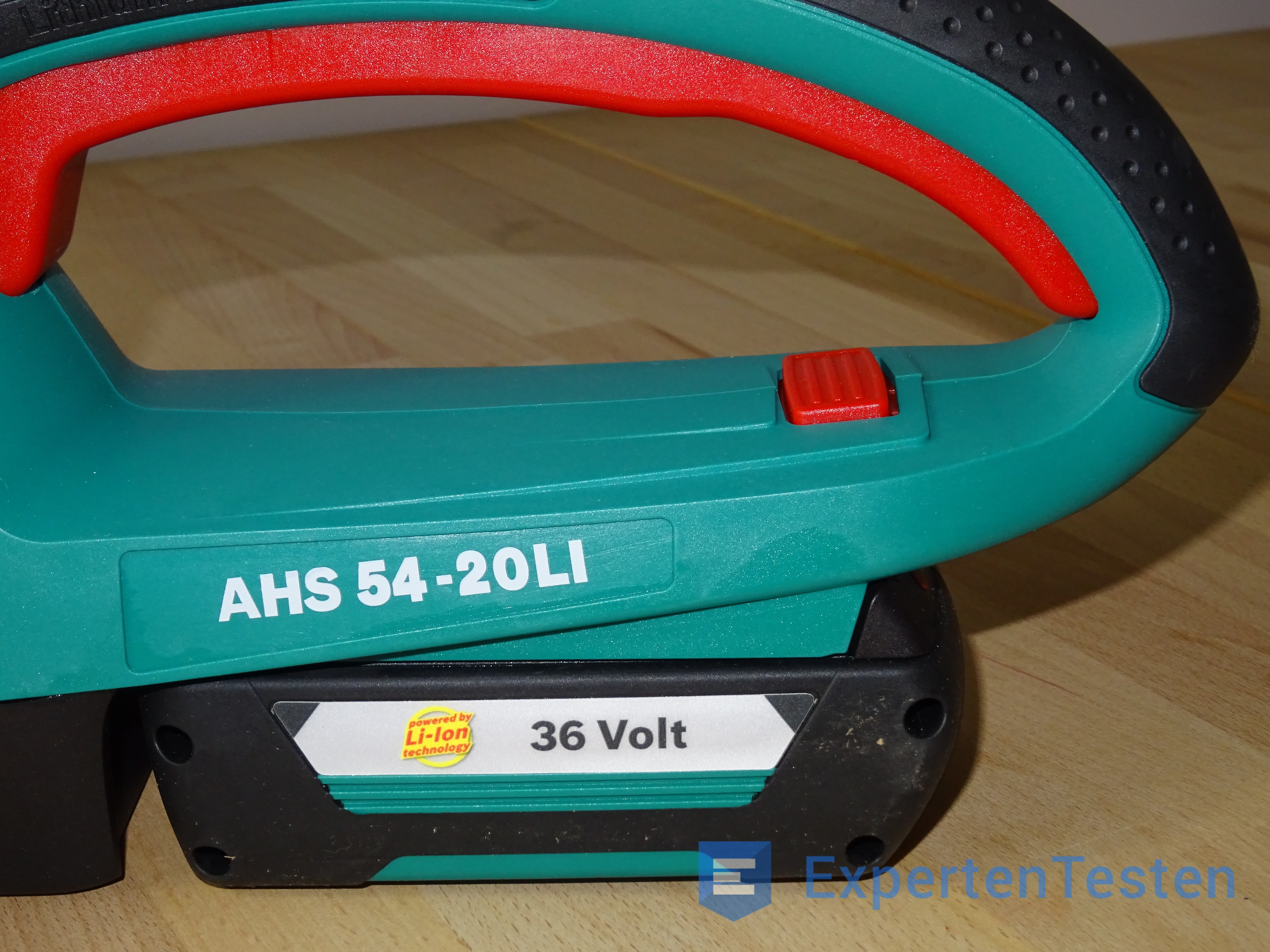 Griff der Akku-Heckenschere AHS 54-20 LI im Detail