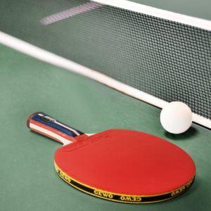Es gibt vieles nützliche Zubehör für den Tischtennisschläger.