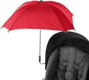 Buggy mit einem Sonnenschirm in rot angebracht