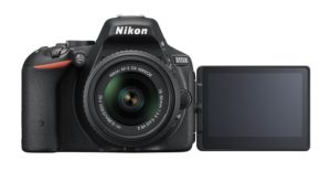 Nikon D5500 SLR-Digitalkamera (24 Megapixel, 8,1 cm (3,2 Zoll) Touchscreen-Display, bildstabilisiert, Full-HD-Video, Wi-Fi) Kit inkl. 18-55mm VR II