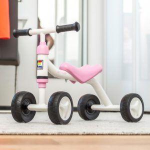 Kettler Rutschfahrzeug Sliddy girl – Rutscher für Mädchen ab 18 Monaten - der mitwachsende Kinderrutscher – verstellbarer Sitz – weiß & rosa