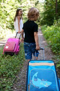 Lässig stabiler Kinder ReisekofferKindertrolley mit separatem Schuh-Wäschebeutel,