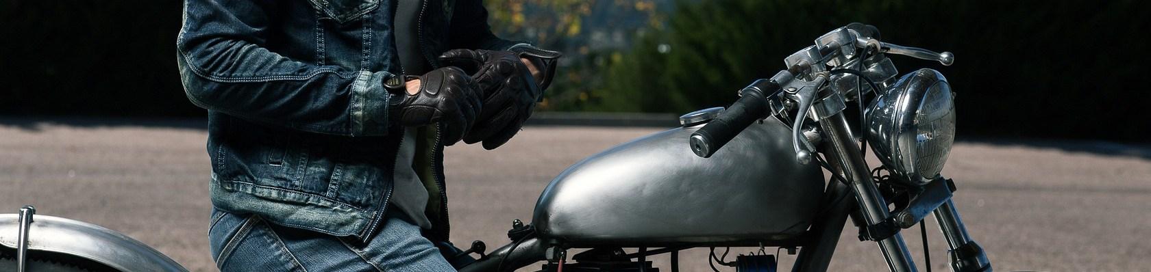 Motorradhandschuhe im Test auf ExpertenTesten.de