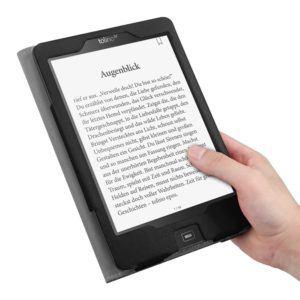ebook reader im test beim lesen