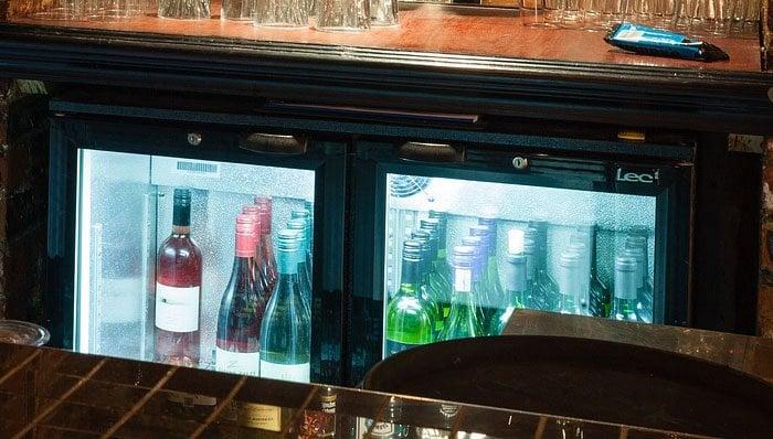 Liebherr Mini Kühlschrank Mit Glastüre : Getränkekühlschrank test u die besten getränkekühlschränke
