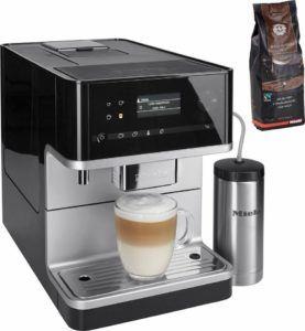 Frontansicht vom Kaffeevollautomat CM6350-1 von Miele mit 8l Tank, Kegelmahlwerk und Isoliermilchbehälter in schwarz