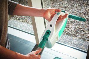 Fenstersauger Test:Wie funktioniert ein Fenstersauger?
